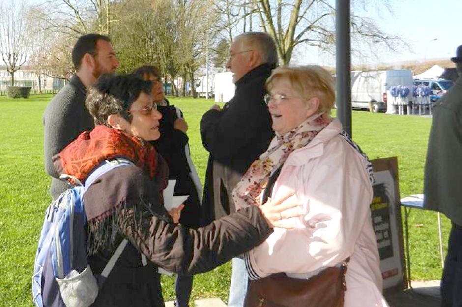 Au marché, on discute pour le vote Mélenchon ! - Crépy-en-Valois, 26 mars 2017
