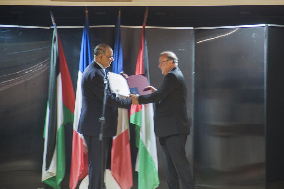 Remise de la citoyenneté d'honneur palestinienne à Jean-Pierre Bosino - Montataire, 29 avril 2017