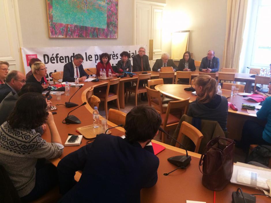 L'Humanité : « Abrogation de la loi Travail : conférence de presse du groupe CRC au Sénat » - Paris, 11 janvier 2017