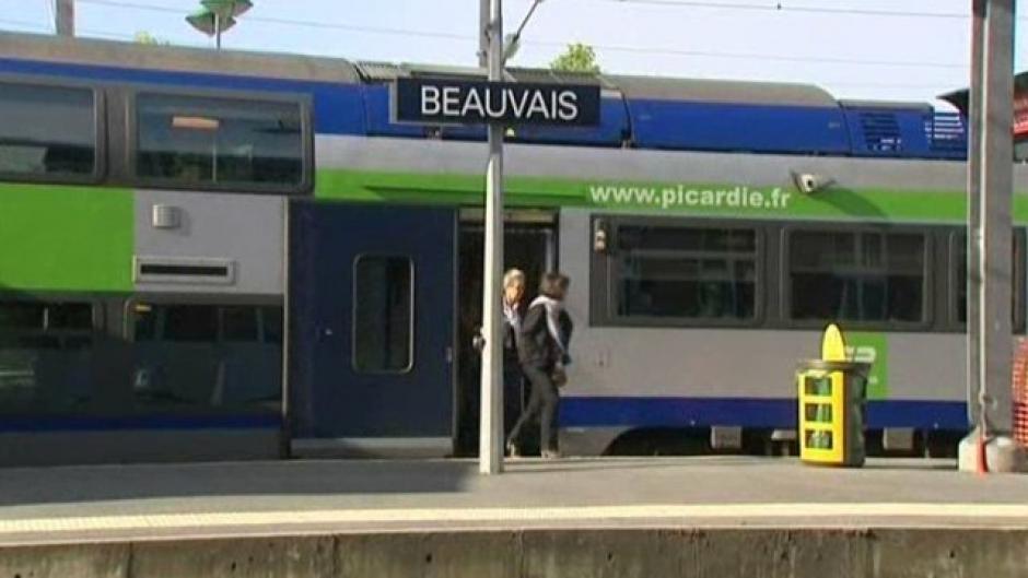 8 septembre, Amiens - Organisation syndicales cheminotes, usagers-Rassemblement concernant la ligne SNCF Paris-Beauvais