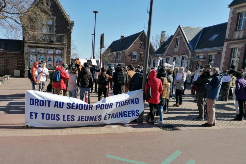 Droit au séjour pour Thierno et tous les jeunes étrangers ! - Beauvais, 6 mars 2021