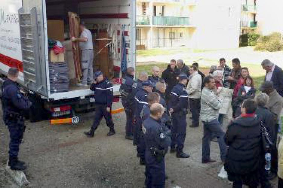 Indigne : à l'OPAC de l'Oise, on expulse sans motif ! - Méru, 24 octobre 2011