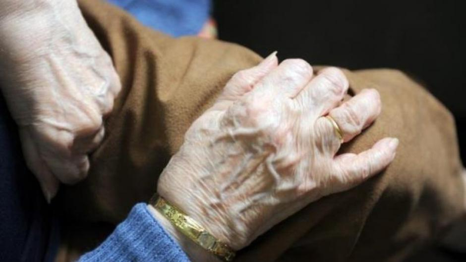 Pétition « Dignité des personnes âgées, des moyens pour nos Ehpad ! »