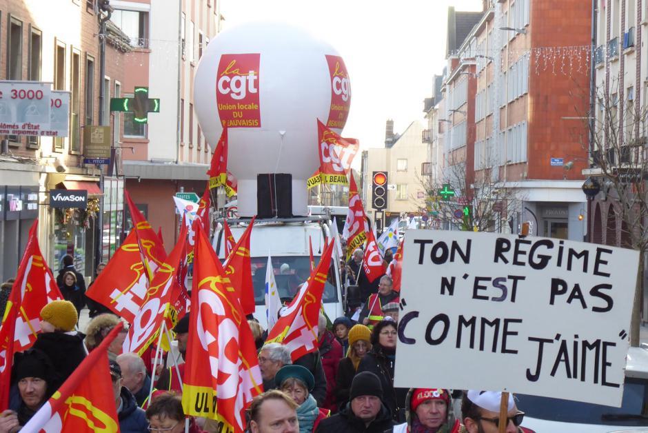 Du monde et encore du monde pour le retrait du projet Macron-BlackRock contre les retraites - Beauvais, 4 janvier 2020