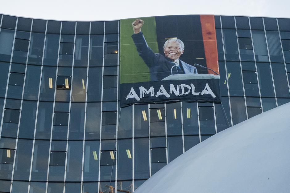 Au siège du Parti communiste français, hommage à Nelson Mandela - Paris, 6 décembre 2013