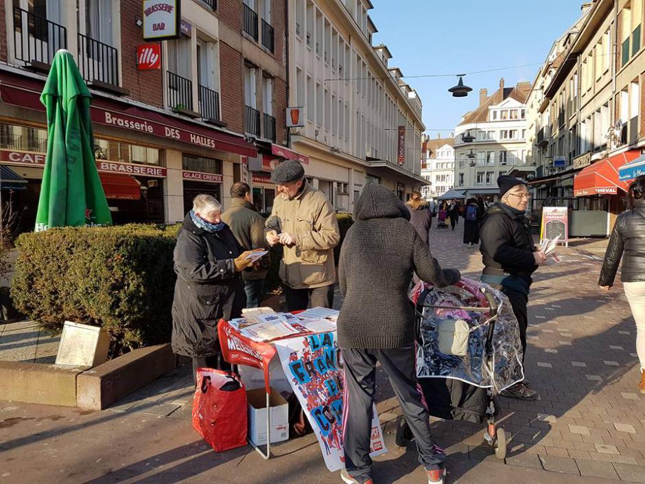 Avec l'Humain d'abord au marché de Beauvais, par une froide matinée - 21 janvier 2017