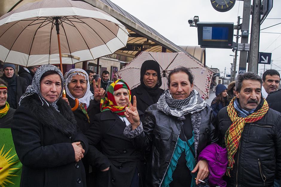 Les Kurdes du Bassin creillois présents en nombre à la manifestation après l'assassinat de trois militantes du PKK - Paris, 12 janvier 2013