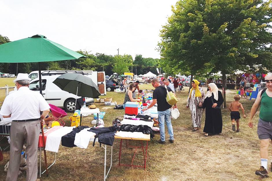 Succès populaire pour le vide-grenier organisé par les communistes de Bresles - La Neuville-en-Hez, 9 juillet 2017