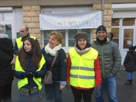 Soutien de Jean-Bosino et Catherine Dailly à la mobilisation contre la fermeture d'une classe ! - Cramoisy, 9 février 2018